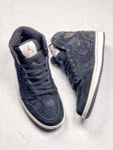 图2_Nike Air Jordan 1 Retro High 冬季搭配耐克 Nike Air Jordan 1 Retro High OG 优质进口头层反毛头层皮 冬季内里加绒 搭配羊毛舌头 后跟字母LOGO 乔一高帮板鞋 货号 BQ6579 002 SIZE 40 40 5 41 42 42 5 43 44 44 5 45 46