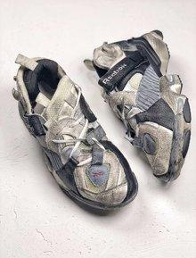 图2_Vetements x Reebok 复古主角做旧的老爹鞋新品 在它身上可以看到经典鞋型 Pump Fury 的诸多影子 粗犷的工业风笼罩 走在街头绝对有 100 的回头率 货号 CN2705 SIZE 40 45
