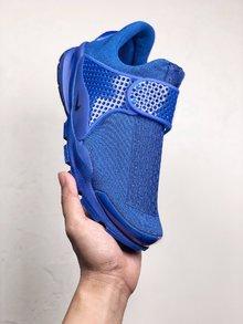 图3_Nike Sock Dart 独立日系列以纯红纯白和纯蓝打造的3 款全新配色 结合颇具现代感的鞋型设计 三款配带来十足的视觉冲击力 为你的夏季出街再添全新缤纷选择 36 45