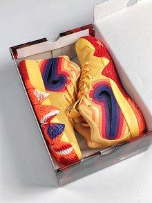图1_Nike Kyrie 4 70s 70 年代款以黄色为主体 印有复古又迷幻的彩色图案 象征欧文球场上令人眼花缭乱的灵活舞步 size 40 46