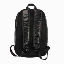 图3_注意 没有质量问题不退不换 AJ 12黑红双肩包 AJ系列背包中之经典之作 采用顶级原厂头层牛皮 柔软舒适耐脏 包底是柔软硅胶材料 后背采用加厚透气网面 size 46x40x19 cm