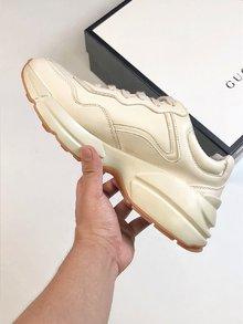 图3_性价比版本 男女鞋 高奢品牌Gucci古驰 Rhyton Vintage Trainer Sneaker 皮革角状复古慢跑鞋 象牙白三切绿红绿 size 36 45