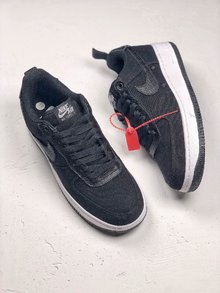 图2_NIKE AIR FORCE 透气材质材质选用了透气性材质 在鞋侧加入了透气孔简洁的配色搭配让人爱不释手 货号 315122 001 SIZE 40 45