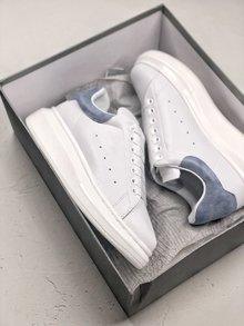 图1_MuQuuen 麦昆还记得风靡大街小巷的亚历山大 麦昆的小白鞋吗 不管是明星还是网红人脚一双呀 作为百搭的单品麦昆可以说是实至名归 35 40