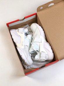 图1_原装版本华莱士小麦出货耐克Nike Air Huarache City Low 18版华莱士城市机能补货Nike全新可更换后跟logo设计Size 36 40