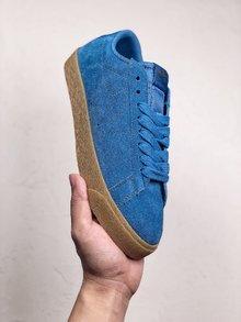 图3_Nike SB Zoom Blazer Low 必备单品鞋身采用的是麂皮材质很是耐看 鞋垫镶嵌Zoom气垫 让你的脚踩起来更舒服 SIZE 36 44
