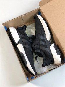 图1_Adidas 阿迪达斯 Pod S3 1 Boost 巴斯夫料米鱼鳞爆米花 B37366 休闲运动跑步鞋 size 40 40 5 41 42 42 5 43 44 44 5