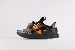 图2_终端放店Adidas Originals Prophere 区别市面鞋面凹塌版本 货号 EG9195全新改版鞋面材质 不仅仅变化在鞋面的材质纹理上 同时在鞋身两旁的TPU饰条加入转印工艺 在街头领域的影响力愈加超越Nike的一点就是在推陈出新的同时 紧紧契合着当下的苛刻审美 货号 EG9195SIZE 36 36 5 37 38 38 5 39 40 40 5 41 42 42 5 43 44 44 5 45