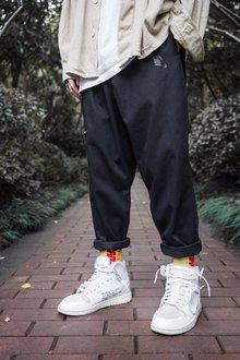 图3_Nike耐克海外版宽松飘带直筒工装裤 竖标logo别具一格 定制飘带 男女同款 可配情侣面料 工装沙卡颜色 黑 卡其尺码 M L XL