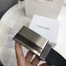 图2_CK双头礼盒装腰带 两面都是二层牛皮 可以两面使用 一面黑色 一面深棕色 双扣头 两个款式扣头 长 尺码约120cm 礼盒包装