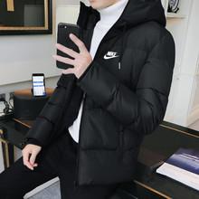 图2_NIKE耐克2018秋冬新款棉衣A 倾心之作 强势出击 选材精良 大厂做工面面俱到 完美诠释耐克品牌的经典运动精神 年轻化的设计 手感柔软 蓬松但不臃肿 立体剪裁 适合各个年龄段穿着 绝对百搭的款哦 颜色 黑色 藏青