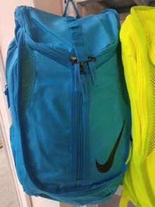 图2_nike耐克 糖果色大容量双肩背包休闲包包男女8新款糖果色双肩包 超级闪亮双肩包书包 糖果蓝 糖果绿 尺寸 27 5 48 20 p85