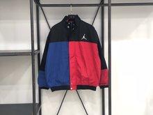 图1_阴阳黑红 Nike Air Jordan XXX2 18秋冬棉服夹克 采用红蓝黑色多色拼接 独特的撞色复杂而不花哨独特的风格独特的味道 上身无论是男女都十分好看 回头率爆表 尺码S XL 颜色 黑红蓝