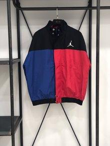 图3_阴阳黑红 Nike Air Jordan XXX2 18秋冬棉服夹克 采用红蓝黑色多色拼接 独特的撞色复杂而不花哨独特的风格独特的味道 上身无论是男女都十分好看 回头率爆表 尺码S XL 颜色 黑红蓝