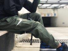 图2_NIKE 多口袋伞兵重工串标工装情侣束脚裤超级复杂重工伞兵工装裤 历经耗时数周终于定制出货 所有辅料皆为原厂定制 客订面料区分垃圾面料 上身效果完美 拉链拉头这种细节都为原厂流出 可以看出用心程度 侧面立体大口袋 超有型 定制织带卡扣 每一个细节都是逼格满满 2018匠心之作 拿到手里就是一件神裤 颜色 黑色 军绿色尺码 m l xl xxl